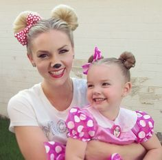 How To: Minnie Mouse Hair for Halloween or Disneyland (Disney) Más 3rd Birthday Parties, Baby Birthday, Birthday Ideas, Minnie Mouse Theme, Minnie Mouse Halloween Costume, Disneyland Halloween, Disney Mouse, Disney Disney, Disney Cars
