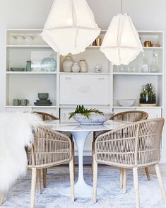 Bonnie from Three Birds Renovations fully restyled the Pearl Beach House using only products from Zanui! In this picture, the dining room. Decor, Dining Room Design, Interior, Coastal Living Rooms, Dining Chairs, Dining Room Decor, Home Decor, House Interior, Lounge Room