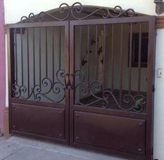Fence Gate Design, Steel Gate Design, Front Gate Design, Wrought Iron Driveway Gates, Iron Garden Gates, Wrought Iron Gate Designs, Backyard Gates, Sliding Door Design, Entry Gates