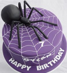 Spider cake - by Kelly's Cake Toppers Halloween Torte, Bolo Halloween, Snake Cakes, Spider Cake, Bug Cake, 4th Birthday Cakes, Novelty Cakes, Holiday Cakes, Cakes For Boys