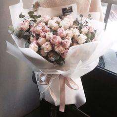 주문 레슨문의 Katalk ID vanessflower52 #vanessflower #vaness #flower #florist #flowershop #handtied #flowergram #flowerlesson #flowerclass #바네스 #플라워 #바네스플라워 #플라워카페 #플로리스트 #꽃다발 # #부케 #원데이클래스 #플로리스트학원 #화훼장식기능사 #플라워레슨 #플라워아카데미 #꽃스타그램 . . . #화이트데이 #화이트데이꽃다발 #꽃다발 . . 화이트데이 꽃다발 바네스와 함께 하세요