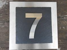 Cool  D Hausnummer aus Schiefer und Edelstahl