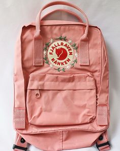 i hand embroider kanken backpacks or any other backpacks! - i hand embroider kanken backpacks or any other backpacks! i hand embroider kanken backpacks or any - Diy Embroidery Designs, Embroidery Bags, Cute Embroidery, Mochila Kanken, Fjällräven Kanken, Mochila Adidas, Aesthetic Backpack, Tumbrl Girls, Cute Backpacks
