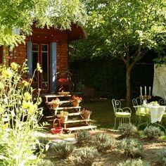 Au fond du jardin... une roulotte