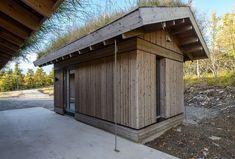 Kvitfjell Vest - Flott nyoppført hytte med attraktiv beliggenhet og høy standard midt i bakken | FINN.no Garage Doors, Shed, Real Estate, Outdoor Structures, Cabin, Architecture, Outdoor Decor, Home Decor, Arquitetura