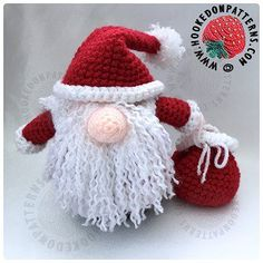 Crochet Dolls Santa Gonk Outfit Free Crochet Pattern - As requested by popular demand, I have created a separate Santa outfit to fit the original Gonk body. Find the new free Santa Gonk outfit pattern here! Crochet Christmas Hats, Crochet Santa, Crochet Christmas Decorations, Christmas Crochet Patterns, Holiday Crochet, Cute Crochet, Crochet Crafts, Crochet Dolls, Crochet Projects