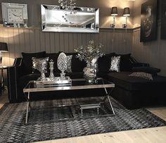 #Repost @tanitasten  Veldig fornøyd med ny sofa i fra @classicliving  #interior9508#interior125#photoshoot#homedesign#homedecor#inspired#decoration#picoftheday#interiorforinspo#interiordesign#interior125#follow4follow#amazing#glam#like#bw#nordiskehjem#home#kozy#livingroom
