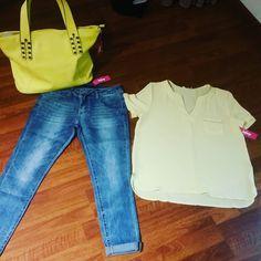 #superskinnyjeans #camicia #gialla #bordini #oro #borsa #shoppingbag #gialla #valeria #abbigliamento