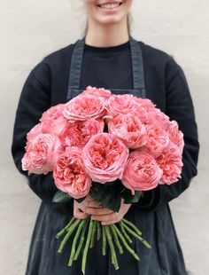 Bunch of big headed and fully blooming flowers! Garden Roses, Blooming Flowers, Amazing Flowers, Big, Roses Garden
