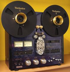 Technics Reel to Reel Tape Recorder.   Special edition. Non ordinary tape loop!