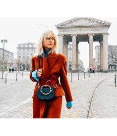 "Gefällt 8,914 Mal, 52 Kommentare - Chloé (@chloe) auf Instagram: """"Ciao Milano"" – Linda Tol makes her way through the Italian fashion capital with the new Nile bag…"""