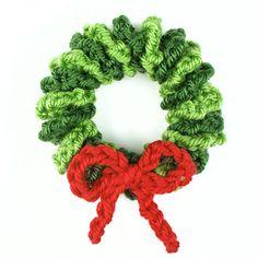 Mini Wreat Ornament :: Free #Crochet Ornament Patterns