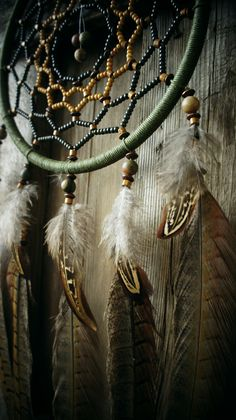 Dream Catcher Decor, Dream Catcher Boho, Beautiful Cover, Beautiful Dream, Indian Arts And Crafts, Dream Meanings, Gods Eye, Native American Crafts, Indian Heritage