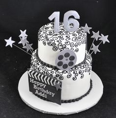 hollywood glamour sweet 16 cakes: add red carpet to front get rid of film reel? Hollywood Sweet 16, Hollywood Cake, Hollywood Theme, Hollywood Glamour, Sixteenth Birthday, 16th Birthday, Birthday Ideas, Birthday Parties, Kid Cakes
