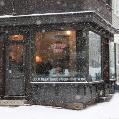 coffee shop in the snow I Love Winter, Winter Is Coming, Winter Time, Winter Season, Cozy Winter, Fall Winter, Le Petit Champlain, Ville Rose, Tee Shop