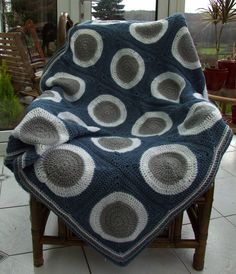 Retro Circles Blanket | Leonie Morgan | Flickr