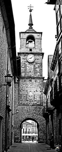 Torre del reloj - #Ponferrada - #ElBierzo - #León FOTOGRAFÍA: Juan Manuel López Gay - Lolo
