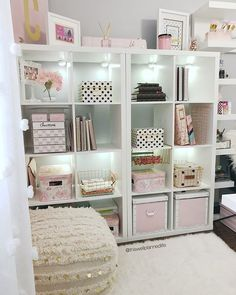 ℂ𝕙𝕖𝕧𝕠𝕟𝕟𝕖 𝕋𝕙𝕠𝕞𝕒𝕤 🇯🇲 (@thiswellplannedlife) • Instagram photos and videos Spare Room Closet, Huge Closet, Toy Rooms, Craft Rooms, Bedroom Decor For Teen Girls, Woman Cave, Craft Room Storage, Vintage Room, Modern Bedroom Design