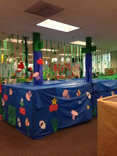 Water level Office Halloween Costumes, Theme Halloween, Halloween 2014, Halloween Decorations, Mario Bros., Mario Party, Video Game Party, Party Games, Classroom Crafts