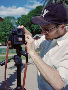 Emil is trying how Widecamera straps fits on a Bronica ETRS during out photo shoot. 1,5 cm wide and possible to get in 90 cm, 100 cm and 110 cm length. Perfect for larger cameras and heavier lenses. Image shot with Fuji GA645 and Portra 400. #leather #handmade #handcrafted #camerastrap