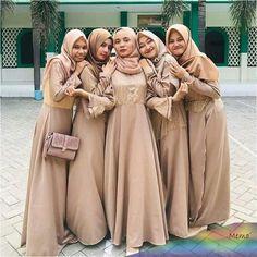 Hijab Dress Party, Hijab Style Dress, Prom Party Dresses, Party Gowns, Dresses Dresses, Bridesmaid Dresses, Prom Dress, Bridesmaids, African Print Wedding Dress
