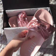 New post on familysephora Cute Shoes, Me Too Shoes, Baskets, Pretty Makeup Looks, Expensive Shoes, Sneaker Heels, Bow Sneakers, Looks Cool, Shoe Game