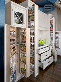 I am pretty sure this pantry is a little slice of heaven. I need this!