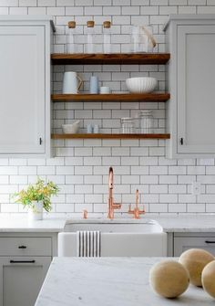 cool 39 Eye Catching Modern Kitchen with Open Shelves https://homedecort.com/2017/05/39-eye-catching-modern-kitchen-open-shelves/
