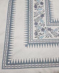 Cross Stitch Art, Cross Stitch Embroidery, Cross Stitch Patterns, Learn To Crochet, Knitting Needles, Holidays And Events, Planer, Needlepoint, Alphabet