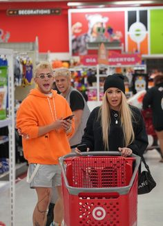 Yeah Shane And Ryland, Jake Paul Team 10, Vlog Squad, In Another Life, Famous People, Lady, Celebrities, Youtube, Shoes
