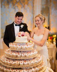"""O casamento é uma tarefa para grandes homens e grandes mulheres; não é para gente pequena, imatura, egoísta, que ainda não cresceu. É uma missão para aqueles que sabem conquistar a mesma pessoa todos os dias"""". http://gelinshop.com/ipost/1523189501358653872/?code=BUjdMgCFkGw"""