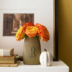 Great fall decoration craft ideas - this vase is a plastic ketchup bottle!