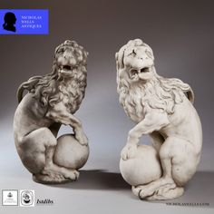 A pair of 17th century marble lions (England)