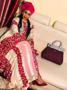 African Wear, African Dress, African Fashion, Ankara Long Gown Styles, Mode Abaya, Easy Wear, Elegant Woman, Girly Girl, Womens Fashion
