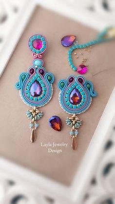 Soutache earrings by Layla Jewelry Beaded Earrings, Earrings Handmade, Beaded Jewelry, Handmade Jewelry, Jewellery, Soutache Pendant, Soutache Necklace, Soutache Pattern, Shibori