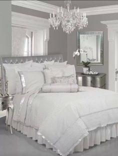 Black White and Silver Bedroom Decor. 20 Black White and Silver Bedroom Decor. Suites, My New Room, Dream Bedroom, Fairy Bedroom, Peach Bedroom, Fairytale Bedroom, Beautiful Bedrooms, Bedroom Furniture, White Furniture