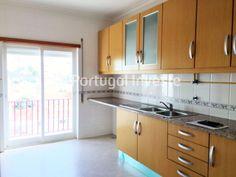 100% FINANCIAMENTO. Cozinha, Apartamento T1, novo, com parqueamento, em Setúbal - Portugal Investe