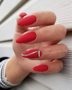 The advantage of the gel is that it allows you to enjoy your French manicure for a long time. There are four different ways to make a French manicure on gel nails. Red Nail Art, Red Nails, Hair And Nails, Cute Nails, Pretty Nails, Uñas Fashion, Bridal Nail Art, Gel Nails At Home, Red Nail Designs