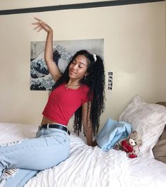 Saturday night power poses made so much better with an OCM #ValuePak as your backdrop! 👑📸  .  .  Don't believe us? Ask @jademinori! ❣️Find your style at ocm.com.   . #bedroom #designgoals #ocmcollegelife #dormgoals #dormdecor #mattresstoppers #bedding #campusliving #findyourstyle #dorm #dormlife #student #universityapproved