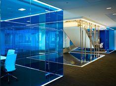ultramoderne coole Office Designs glaswände trennen blau glas