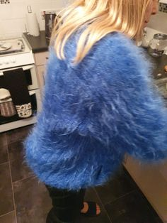 Gros Pull Mohair, Blue Cardigan, Mohair Sweater, Fur Coat, Cozy, Clothing, Sweaters, Fashion, Blouse