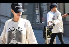 Rihanna wears sweater with her face on it ahead of MTV VMAs show