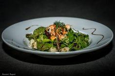 Salade de mesclun aux crevettes et pétoncles