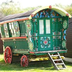 Gypsy Wagon - beautiful colors!