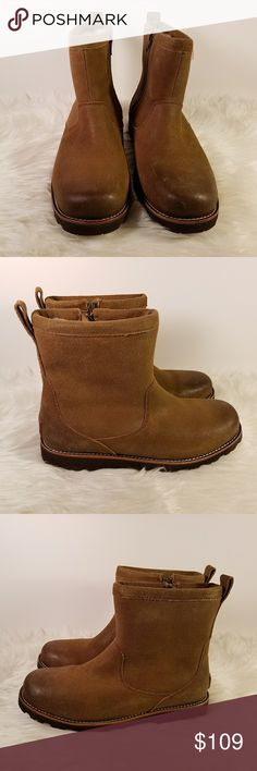 NEW Men's Ugg Hendren TL Leather Boots, Size 42 This is a pair of Ugg waterproof leather boots. Features: - leather uppers with factory distressed toes - side zipper - rubber lug sole - seam-sealed construction to  ensure dry comfort  - UGGpure lining -  textile made entirely from wool but shaped to feel and wear like genuine shearling. New, unworn boots in box udh UGG Shoes Rain & Snow Boots