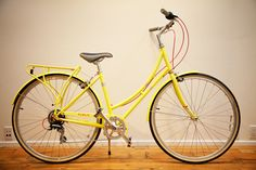 ah, beautiful yellow bike.