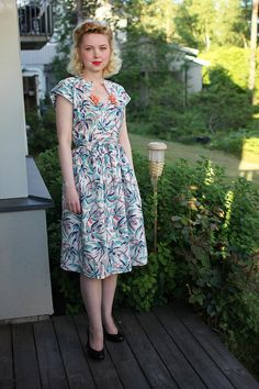 Tropical Feed Sack Dress made using Vintage Simplicity 1435 by Johanni