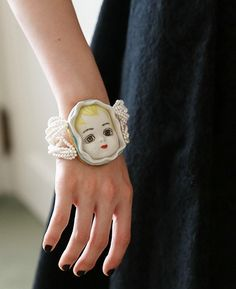 AHCAHCUM あちゃちゅむ 14AW あちゃちゅむ通販 Doll Head, Doll Face, Vintage Jewelry, Handmade Jewelry, Weird Jewelry, Doll Parts, Silk Ribbon Embroidery, Art For Art Sake, Jewel Box