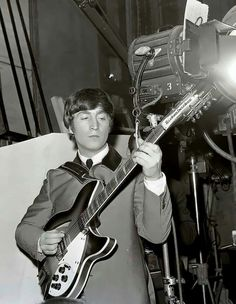 Great Bands, John Lennon, My Dad, The Beatles, Cool Pictures, Dads, Fandoms, Beetles, Concert