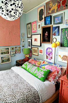This groovy pad occupying one floor of an 800-square-foot Victorian house in Evanston, Illinois proves to Design*Sponge that everyone should have a piece of Mandy Patinkin in the bedroom.